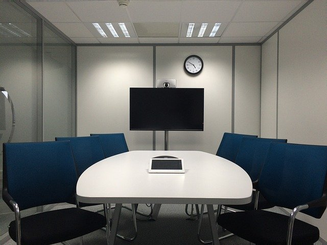 sala de reuniones ! sillas, televisor, ipad