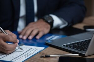 Reanudación de los plazos procesales y administrativos