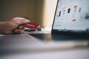 La verificación de los requisitos de autenticación reforzada por parte de los e-commerce