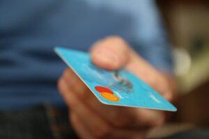 Almacenamiento de datos de tarjetas bancarias en el proceso de compra on line